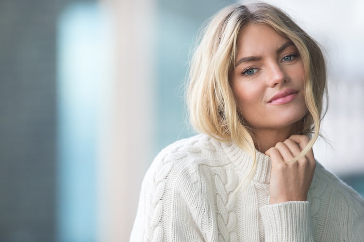 Elyse Taylors New Beauty Campaign is STUNNING   Byrdie